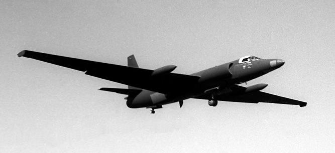 black U-2A landing by Hiroshi Komiya 1 at Atsugi low-res 12Feb59